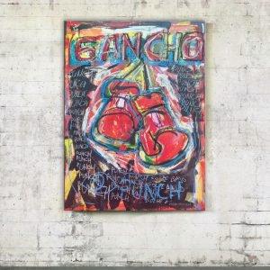 Full photo of the modern art in situ, Gancho